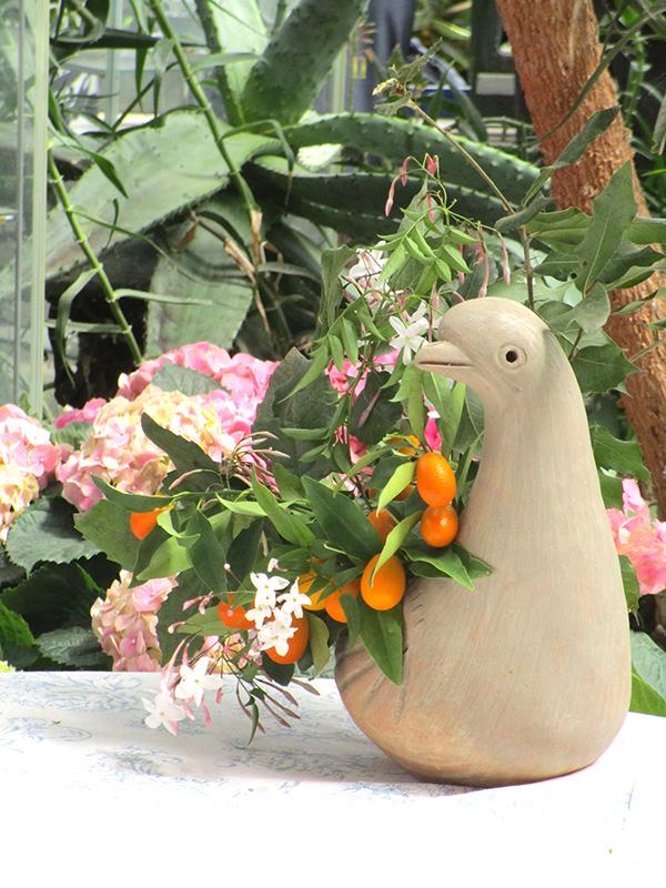The Happy Hen garden for weddings